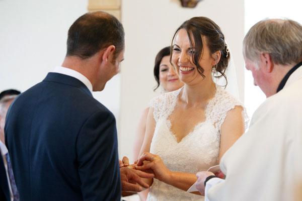 exchinging-rings-wedding