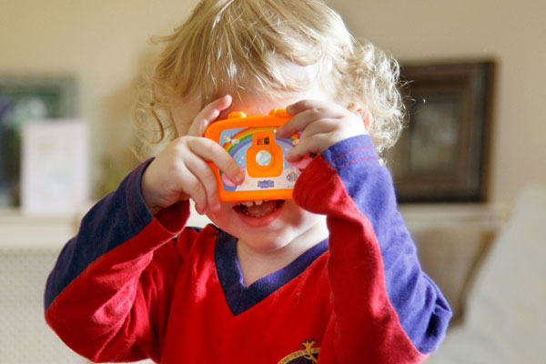 little-boy-photographer