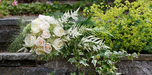 white-wedding-flowers